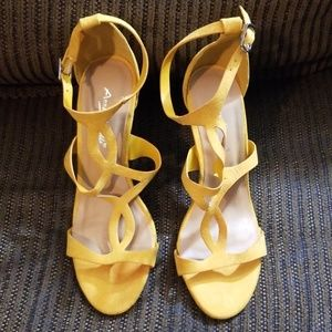 Anne Michelle  mustard color high heels size 6